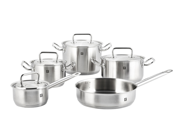 Zwilling Twin Classic 9 Pc Cookware Set | White Stone